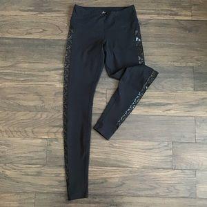 Lululemon black leggings size 6